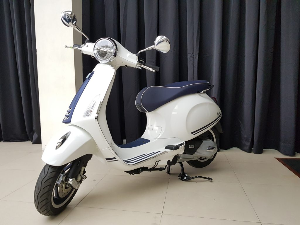 The Vespa Primavera Yacht Club Special Edition W Video Wheels